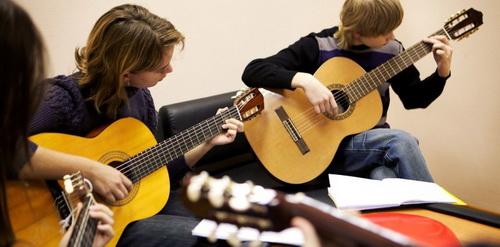 Студия игры на гитаре+вокал